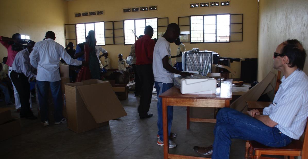 Ambiance autour de la distribution des instruments de musique